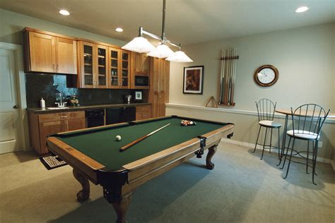 decorate  recreation room   build  house