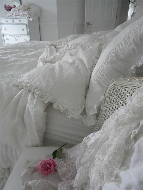 shabby chic 33 shabby chic bedroom décor ideas digsdigs