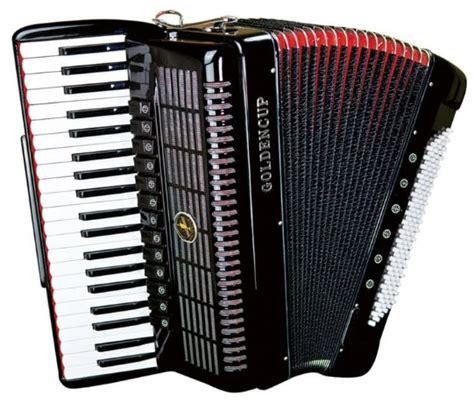 Selain berguna mengeuarkan suara melodi, alat musik ini juga dapat penuntun dan pemandu nada. Alat Musik Melodis- Pengertian, Gambar, Contohnya-