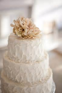 white wedding cakes burlap bling wedding inspiration the sweetest occasion