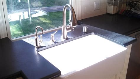 kitchen sinks pros and cons to the farmhouse sink