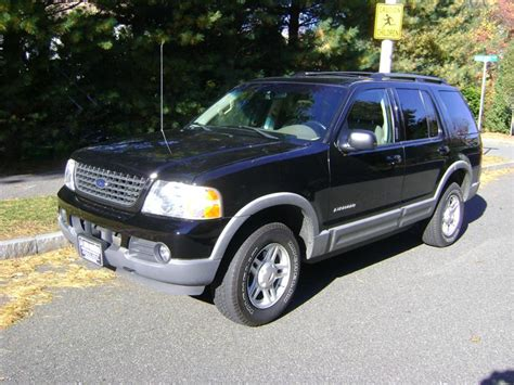 ford explorer xlt  sale salem ma  cylinder