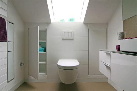 Kleines Badezimmer In Dachschräge by Wie Spiegelschrank Dachschr 228 Ge Ausnutzt Bad In M 252 Nchen