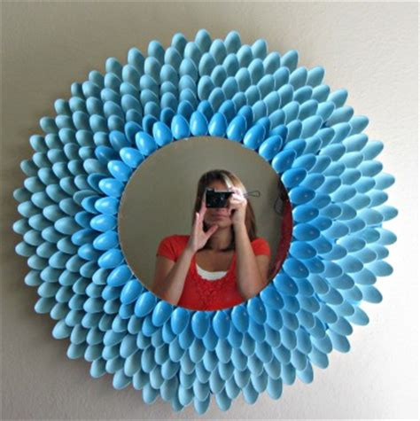 Accent mirrors for less, at your doorstep faster than ever! Spoon Mirror: 14 DIY Tutorials   Guide Patterns