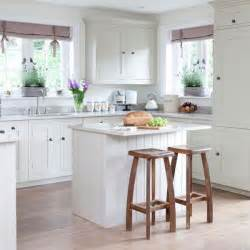 Small Kitchen Remodel With Island 25 Best Ideas About Small Kitchen Islands On Small Kitchen With Island Diy Kitchen