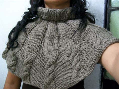 ponchos  capas tejidas  dos agujas imagui cuellos capas tejidas capa en ganchillo