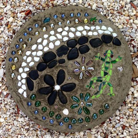 mosaik selber machen trittsteine gartengestaltung ideen rund um die gartenwege