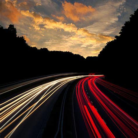 | Ni07-night-drive-car-light-red-dark