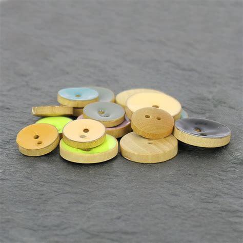 resine epoxy bois bouton en bois r 233 sine 233 poxy 20 mm jaune pastel x1 perles co