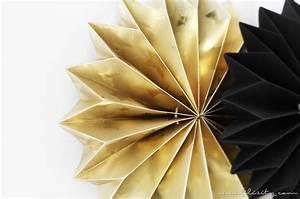 Sterne Aus Papier Schneiden : faltsterne aus geschenkpapier resten diy blog aus dem rheinland ~ Watch28wear.com Haus und Dekorationen