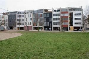 Architekten In Karlsruhe : schwarzes linoleum oder ge ltes eichenholz kontrastieren mit intensiven farben ~ Indierocktalk.com Haus und Dekorationen