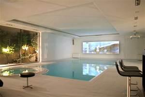 Schwimmbad Zu Hause De : luxus villa mit pool ~ Markanthonyermac.com Haus und Dekorationen