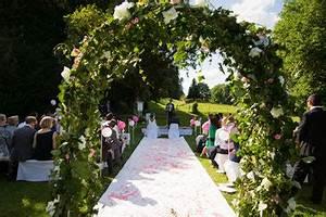 Arche Mariage Pas Cher : l cher de colombes mariage l 39 arche des mari s l chers de colombes pour c r monies mariages ~ Melissatoandfro.com Idées de Décoration