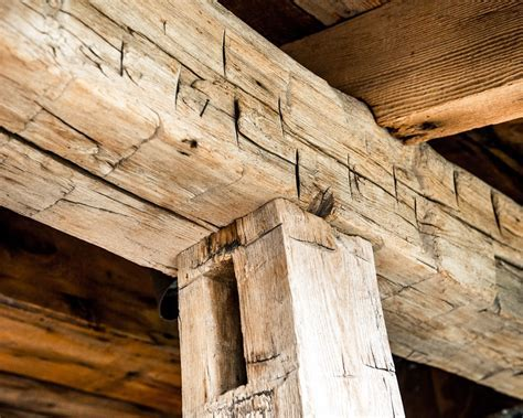 Hand hewn Timbers   Distinguished Boards & Beams