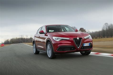 Alfa Romeo Stelvio (2017) International First Drive