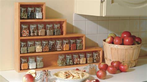 etagere a epice cuisine étagère à épices en escalier pour la cuisine simple