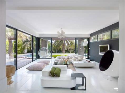 belle villa  st raphael en france moderne  coloree