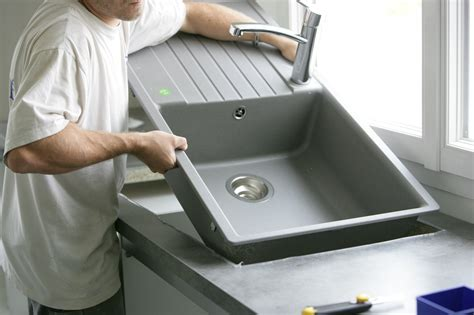 installer evier cuisine le prix d 39 un évier et de sa pose pour votre cuisine