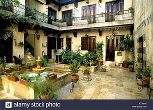 Häuser Im Orient : inner court yard of an arabian house in the old district ~ Lizthompson.info Haus und Dekorationen