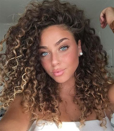 elegant naturally curly hair  beautiful women