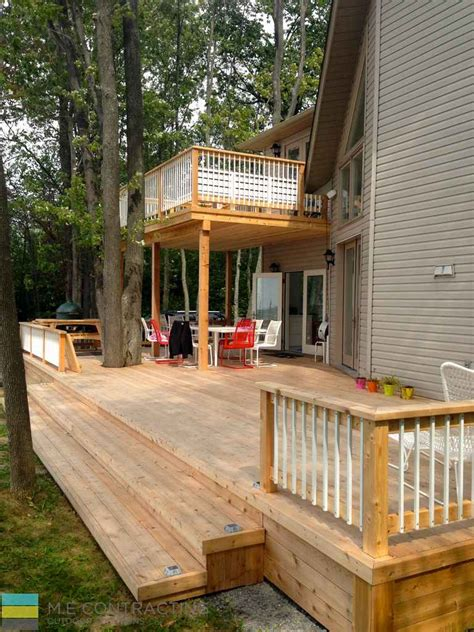 level cedar deck   cottage  contracting toronto landscaping design decking pool