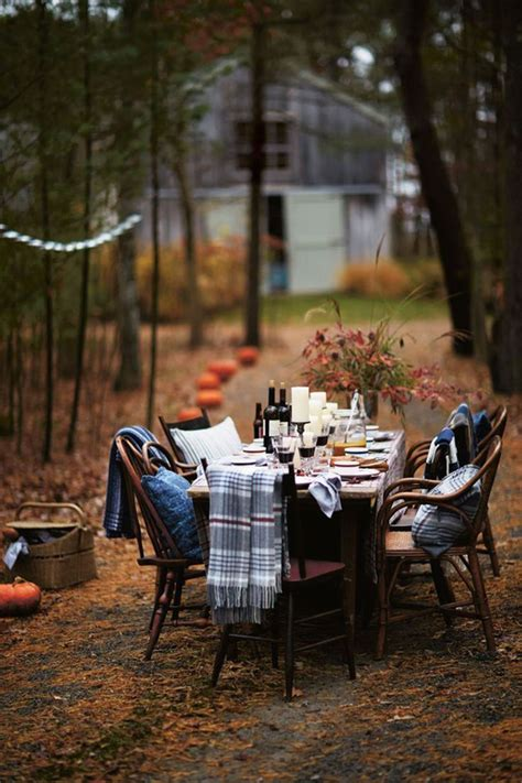 thanksgiving outdoor table decorations 20 traditional thanksgiving centerpieces and tablescapes