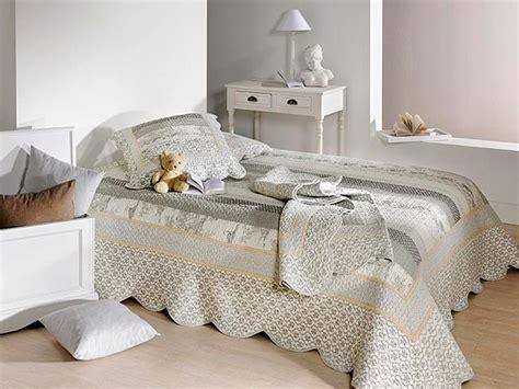 boutis pas cher couvre lit boutis pas cher couvre lit boutis haut de gamme dessus de lit