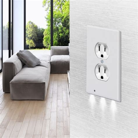 itd gear wall outlet coverplate w led lights auto