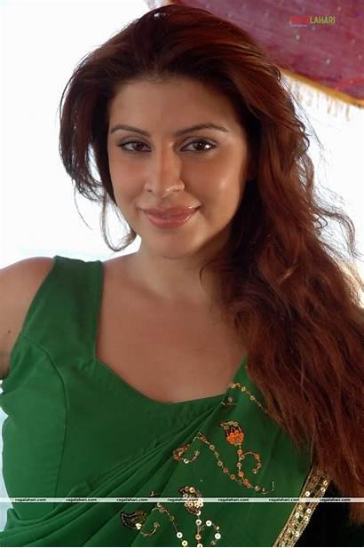 Kotak Karishma Indian Actress Glamour Kingfisher Stars