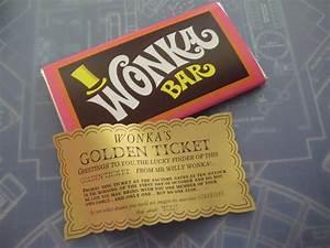 Willy Wonka & Chocolate Factory Replica Wonka Bar and ...