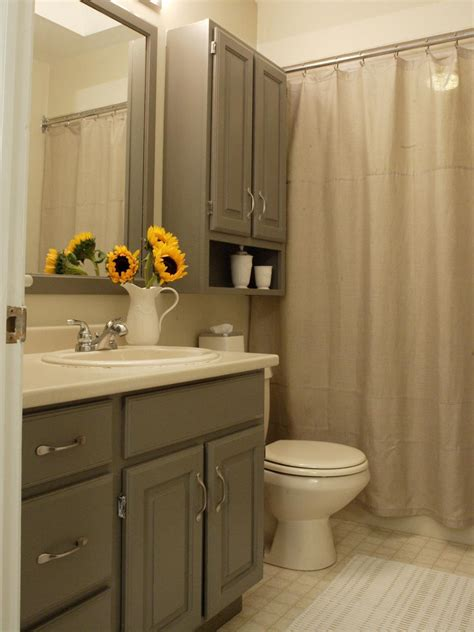 What Color Shower Curtain For A Small Bathroom by Soft Neutral Shower Curtains Hgtv