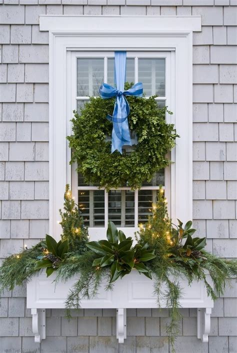 christmas wreaths for windows magnificent christmas window decorating ideas