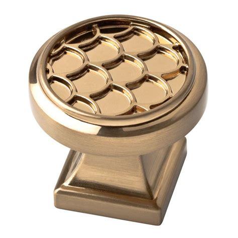 bronze kitchen cabinet knobs liberty 1 1 4 in chagne bronze scalloped cabinet knob 4925