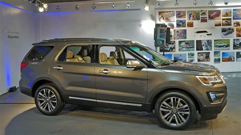 ford explorer  reveal photo gallery autoblog