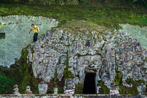 destinasi wisata gua  eksotis  indonesia