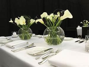 Tischläufer Schwarz Weiß : die straussbar florale konzepte blumendekoration schwarz wei schwarze blumen und bl ten ~ Frokenaadalensverden.com Haus und Dekorationen