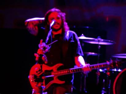 Seether Wallpapers Halestorm Cherry Stone Wallpaperplay Concert
