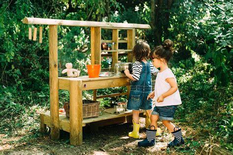 Spielgeraete Fuer Den Heimischen Garten by Gartenspielger 228 Te Matschk 252 Chen Gartenpferde Holztipis