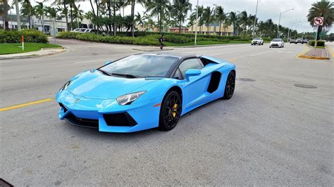 Lamborghini Aventador Lp700-4 Blue Roadster Start Up