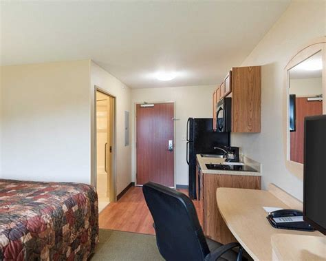 Suburban Extended Stay Hotel, Triadelphia West Virginia
