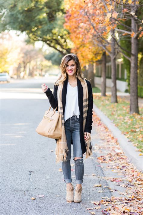 Grey Jeans Outfit with long black cardigan