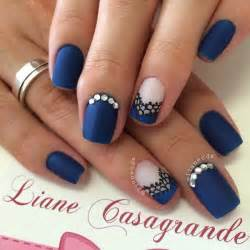 Adorable blue nail designs for pretty