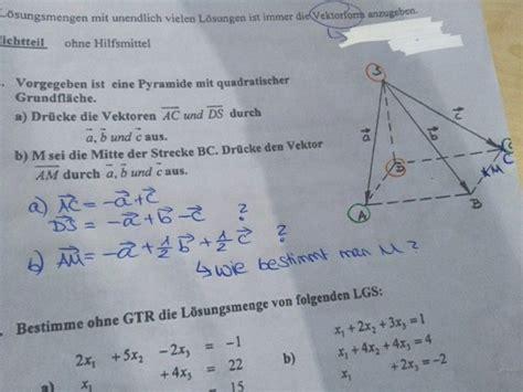 raeumliche darstellung von vektoren pyramiden mittelpunkt
