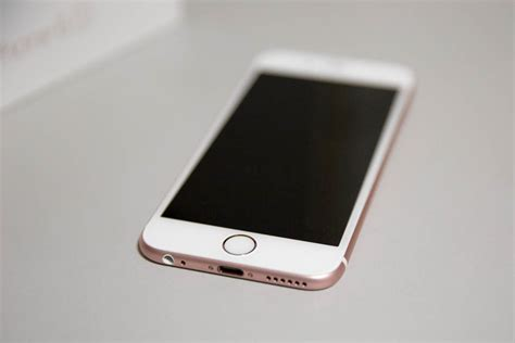 view on iphone the pink iphone it s gold thanks hey georgie