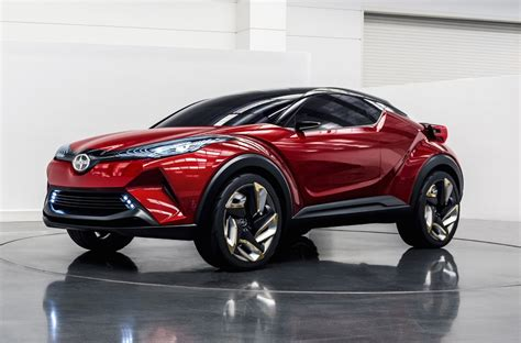 toyota chr side high resolution wallpaper