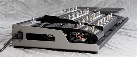 Helweg Design Custom Pedalboard with Fractal MFC 101 ...