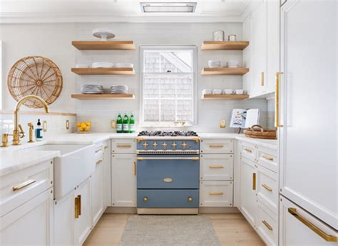 benjamin moore decorators white cabinets coastal home interiors home bunch interior design 306 | Decorators White by Benjamin Moore Kitchen Cabinet Best White