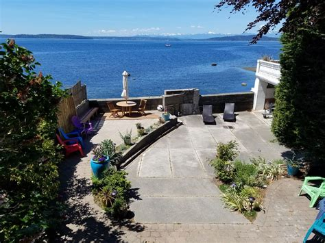 private west seattle puget sound waterfront home close