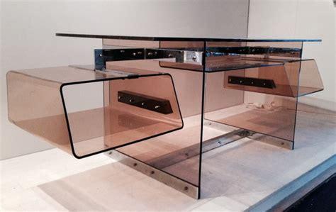 bureau en plexiglas bureau futuriste en plexi