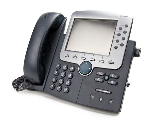 business phone systems 7 must business phone system features telcodepot